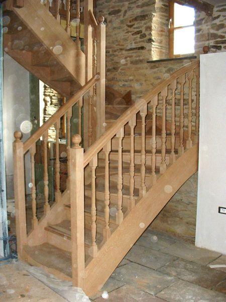 mod le d escalier tourn tournage sur bois. Black Bedroom Furniture Sets. Home Design Ideas